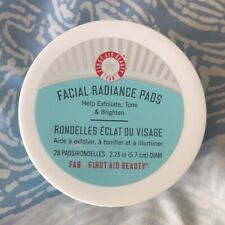 FIRST AID BEAUTY Facial Radiance Pads 28 pads/rondelles New and sealed