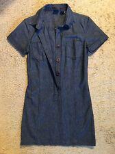 GAP DENIM 100 PERCENT COTTON SHORT SLEEVED BUTTON FRONT DRESS...SIZE 2