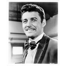 Guy Williams as Don Diego de la Vega Zorro with Big Smile 8 x 10 inch photo