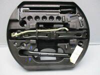RENAULT LAGUNA III GRANDTOUR (KT0/1) 2.0 DCI Wagenheber 995040007R  Abschleppöse