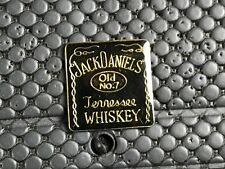 PINS PIN BADGE ALCOOL ALCOHOL  WHISKY WHISKEY JACK DANIEL'S VERSION EPOXY