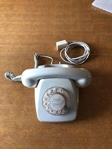 Altes graues Wählscheibentelefon Telefon mit Wählscheibe Post FeTap 611-2