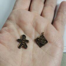 """ Gift / Ginger bread man"" scrapbook jewelry charm craft metal bronze Tone New"