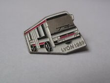 Pin's Car Bus / Transport Urbain De Lyon 1989