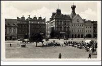 Leitmeritz LitoměřiceTschechien Postkarte 1950 Marktplatz Brunnen Personen Autos
