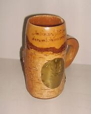 schöner Bierkrug aus Holz mit Hirschmotiv - Handarbeit
