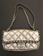 $ 6k Chanel Chain Around Flap Silver Quilted Leather Shoulder Bag