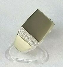 9ct Gold Man's Diamond Signet or Pinky Ring Hallmarked Excellent Quality sz P