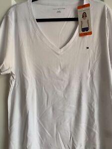 Tommy Hilfiger Women's Short Sleeve V-Neck Tee - Size: XXL - White