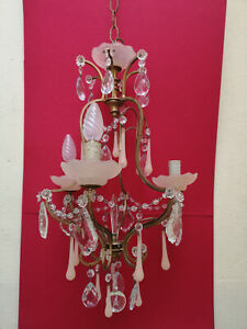 Lustre Murano ancien opaline rose pampilles cristal Very good condition H 80 cms
