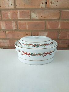 Royal Worcester Casserole Dish Oven To Table - Holly Ribbons - Made In England