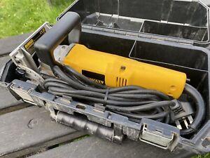 DeWalt 240v Biscuit Jointer Dw682-go