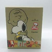 Hallmark Peanuts Gallery Figurine Snoopy Charlie Brown Hugging Figures Sealed