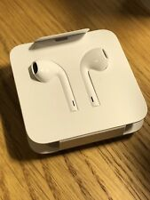 Apple EarPods with 3.5mm Headphone Plug White In-Ear Only Headsets for Apple