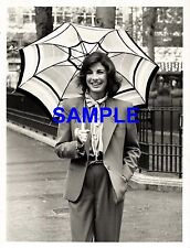 ORIGINAL 1981 PRESS PHOTO - AMERICAN ACTRESS ANNE ARCHER IN LEICESTER SQUARE