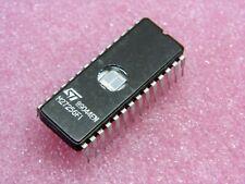ci M 27256 F1 ~ ic M27256F1 ~ EPROM UV 256K-bit 32K x 8 250ns ~ 28-Pin (PLA041)