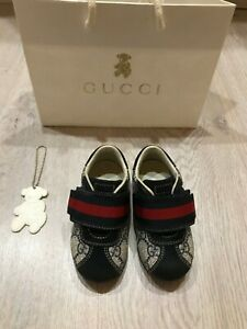 Gucci baby sneaker size EUR 21 (US 5, UK 4.5)
