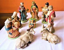 Crèche de 9 sujets de la Nativité en biscuit de porcelaine (carton d'origine)