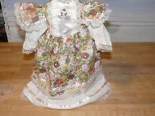 jolie robe pour poupée en porcelaine ancienne Jumeau Bru Steiner mignonette