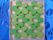 120 Stück Holzblumen Holzblüten Lochblumen grün/hellgrün 7cm in 10 Holzboxen