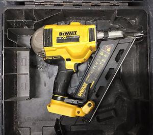 DEWALT DCN692N XR 18v 90mm Brushless Framing Nailer