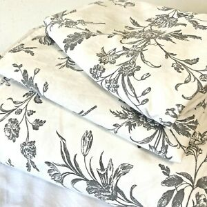 IKEA Alvine Kvist Gray Floral Toile Full/Queen Duvet Cover with 2 Pillowcases