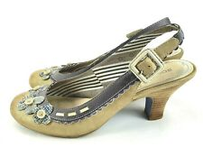 BOBBI BLU Delora Womens Size 7.5 M Gold Gray Flower Scalloped Slingback Heels