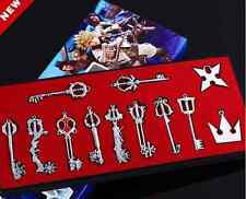 KINGDOM HEARTS - CAJA 12 LLAVES COLGANTES METAL / 12 METAL KEY BLADE BOX 3-6cm