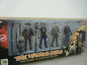 NEW SEALED THE WALKING DEAD RICK GRIMES 15TH ANNIVERSARY BOX SET FIGURES