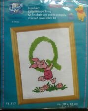 Winnie the Pooh Counted Cross stitch Kit Telpakket Letter Q