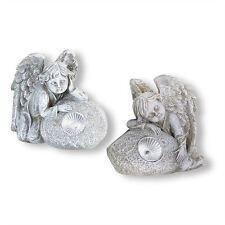 Markenlose Skulpturen mit Engel-Motiv