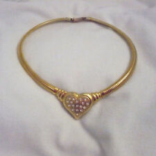 Gold plated dog collar ribbed necklace large center heart with white rhinestones