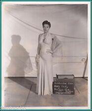 """Nancy Kelly en """"hasta las costas de Trípoli"""" - foto de prueba de vestuario original - 1942"""