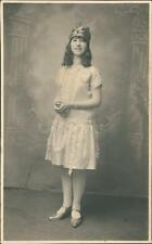 Young lady costume vintage studio  RP QR1357