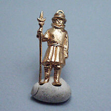 14k gold vintage BEEFEATER LONDON TOWER GUARD charm
