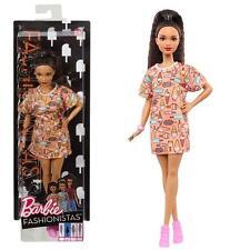 Barbie - Fashionistas 56 - Petite - Poupée en T-Shirt Robe