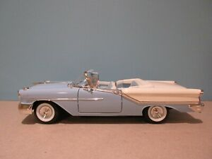 1:18 Scale Blue 1957 OLDSMOBILE SUPER 88 CONVERTIBLE Diecast By Road Signature