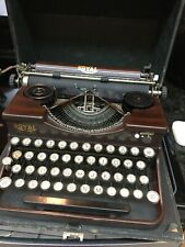 Vintage Royal P-model Portable Manual Typewriter~Woodgrain Body, Glass Keys