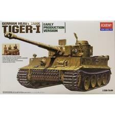 Academy 1:35 scale WW2 German Tiger I Early Version w/ Tank Crew