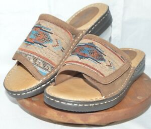 Minnetonka Sandals. Women's size 9. Southwestern Pattern Leather Slip On Slides.