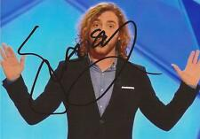 COMEDIAN: SEANN WALSH SIGNED 6x4 LIVE PHOTO+COA *28* *VIRTUALLY FAMOUS*