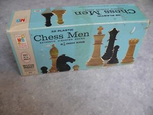 "Vintage 1969 Milton Bradley 32 piece 3 1/8"" Weighted Chess Men #4807 Complete"
