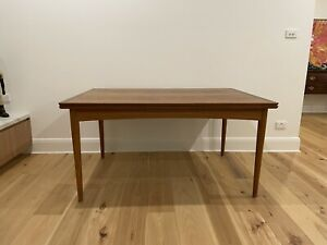 Original Selig Danish mid-century extendable dining table and 6 chairs