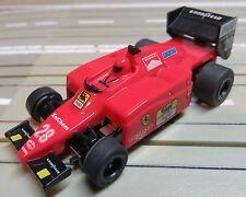 für Slotcar Racing Modellbahn -- Formel 1 Ferrari F-188 mit Tomy Motor