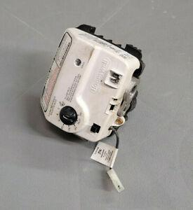 Honeywell WV8840C1406 Water Heater Gas Valve 32300051-001