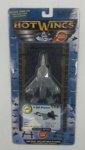 2001 Hot Wings Diecast F-22 Raptor Military Plane With Runway #14104