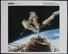 S1304) viajes espaciales nasa Photo misión 51-a payload bay first space salvage misión