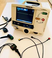 Physio-Control Lifepak20e Biphasic with ECG and other leads.