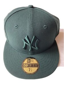 New Era New York Yankees Nayyan Dark Green Baseball Cap Size 7 1/2