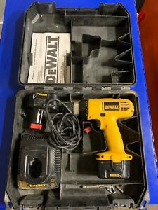 """DeWalt DW927 3/8"""" 12V Cordless Compact Drill/Driver w/ Battery And Charger"""